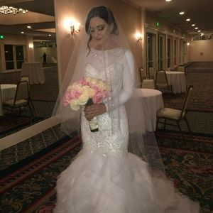 Mermaid Style Wedding Dress, Size 2, Demetrios